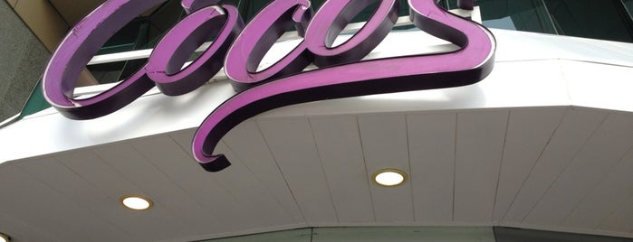 Coco's Restaurant is one of Diana'nın Beğendiği Mekanlar.