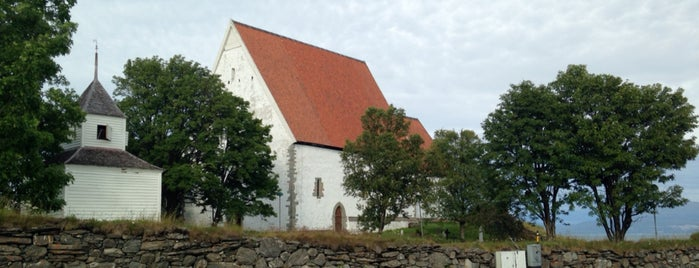 Trondenes kirke is one of Cathrineさんのお気に入りスポット.