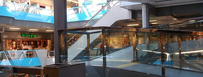 Centro Comercial Salesas is one of lindos.