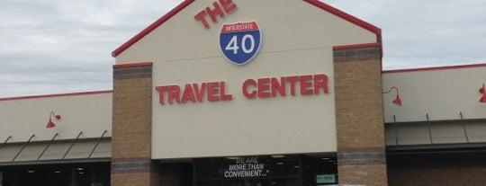 The Interstate 40 Travel Mart is one of Lieux sauvegardés par Christine.