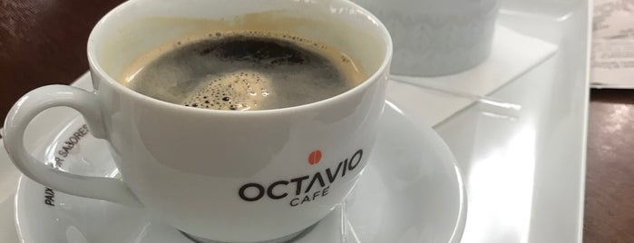 Octavio Café is one of Lieux qui ont plu à Dade.