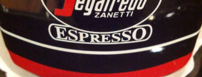 Segafredo Cafebar is one of Philippeさんのお気に入りスポット.