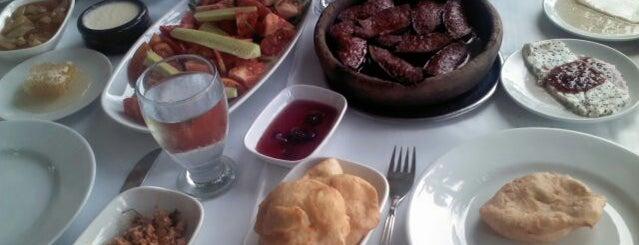 Sarnic Restaurant is one of สถานที่ที่ Ufuk ถูกใจ.