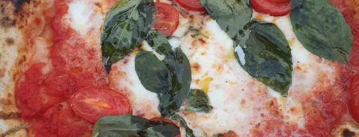 W Pizza is one of Food to try in Berlin.