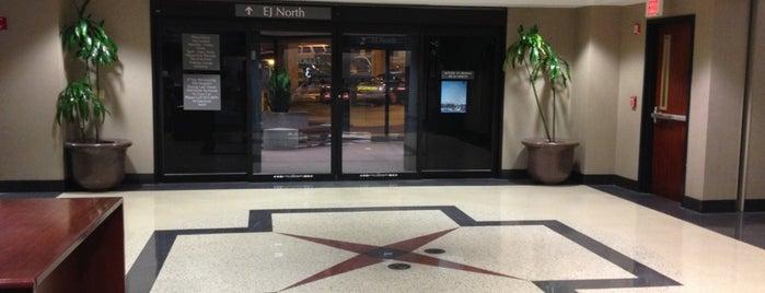 East Jefferson General Hospital is one of ⚜ Nimesh : понравившиеся места.