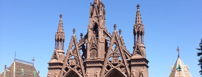 The Green-Wood Cemetery is one of Brooklyn.