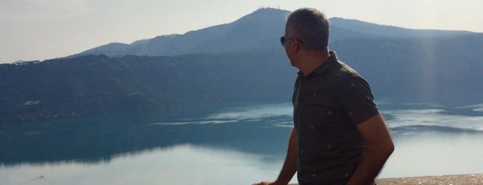 albano gölü is one of Lieux qui ont plu à kenan.