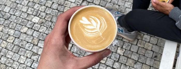 TRAFFIK coffee & sandwich is one of Lucie'nin Kaydettiği Mekanlar.