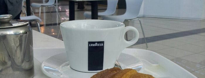 Café Lavazza is one of Locais curtidos por Aptraveler.