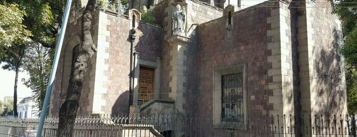 Capilla Britanica is one of สถานที่ที่ Mayra ถูกใจ.