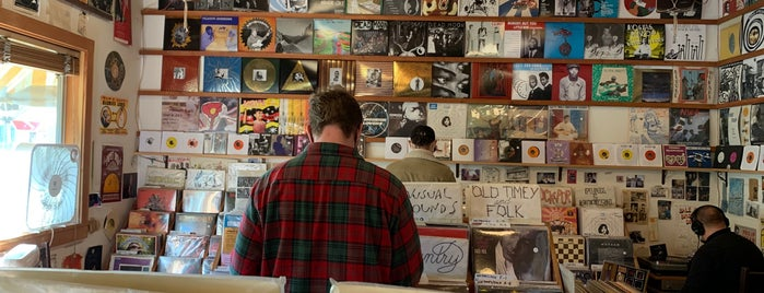 Mississippi Records is one of Record Stores.