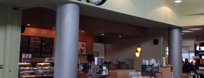 Starbucks is one of Lieux qui ont plu à Nick.
