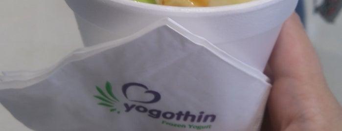 Yogothin - Sorvete De Iogurte Com Frutas E Acompanhamentos is one of Tempat yang Disukai Kleber.