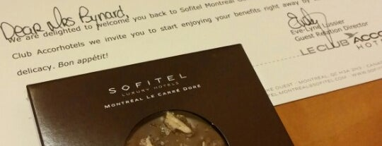 Le Bar @ Sofitel Montreal is one of Best pubs in Montréal.