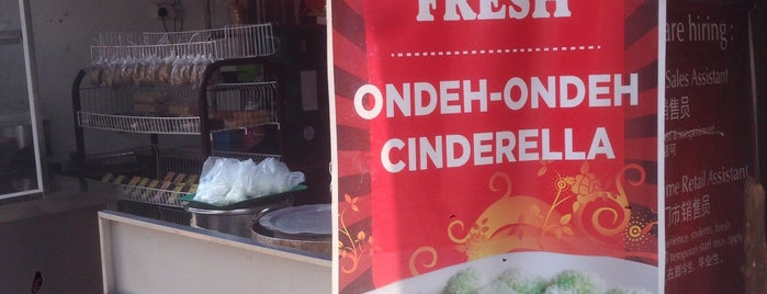 Ondeh Ondeh Fresh is one of Tempat yang Disukai Stefen.