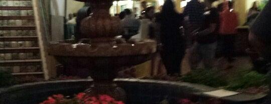 Cafe Coyote is one of Lugares favoritos de Chris.