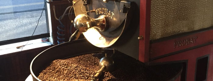 Napa Valley Coffee Roasting Co. is one of Lugares favoritos de Mark.