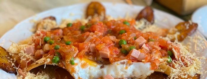 huevos motuleños y mas is one of Desayunos.