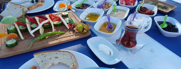 Keyif Cafe Restaurant is one of สถานที่ที่ Fatih ถูกใจ.