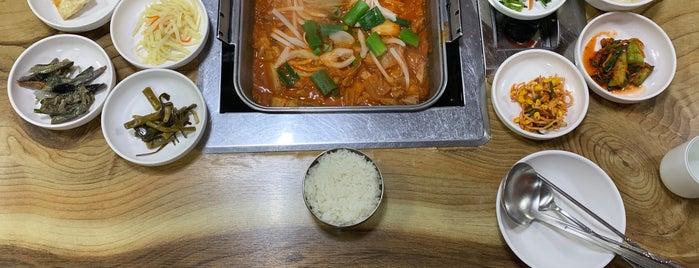 청수식당 is one of Korean food.