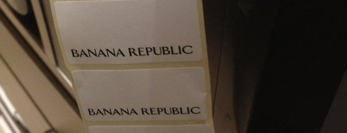 Banana Republic is one of Lieux qui ont plu à Adrian.
