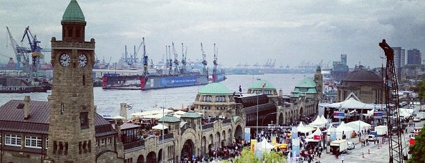 Hamburger Hafen is one of Fav Deutsche Places.