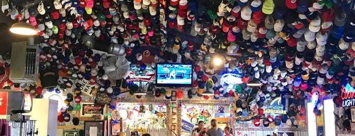Phil's Bar-B-Que Pit is one of สถานที่ที่บันทึกไว้ของ Kristen.