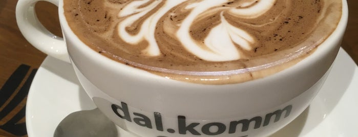 Dal.komm Coffee is one of Singapore 🇸🇬.