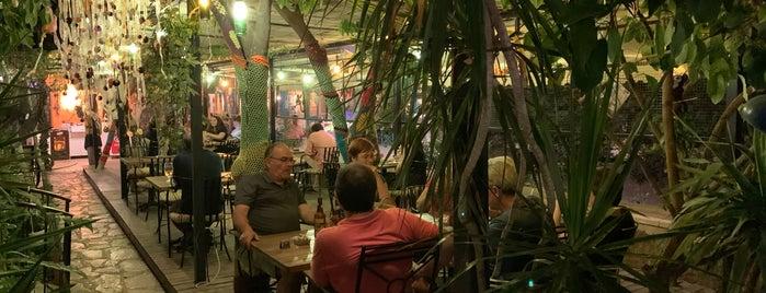 Kaleici Velespit Cafe Bistro is one of Lugares favoritos de Şebnem.