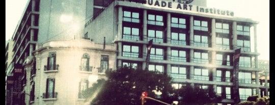 Universidad Argentina de la Empresa (UADE) is one of Tempat yang Disukai Victor Christian.