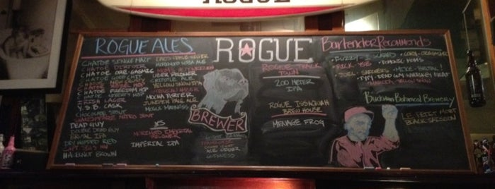 Rogue Ales Public House & Distillery is one of PDX.