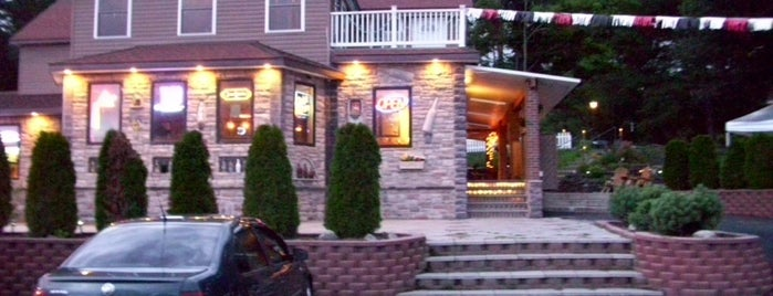 B&B Lounge is one of Upstate.