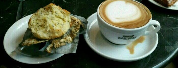 Caffè Nero is one of สถานที่ที่ Resul ถูกใจ.