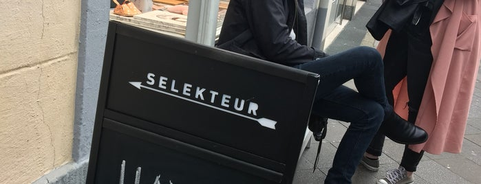 Selekteur is one of Welcome to Düsseldorf.