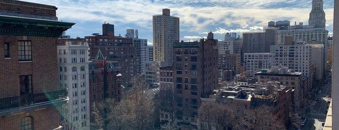 Gramercy Park Hotel is one of Lugares favoritos de Danny.