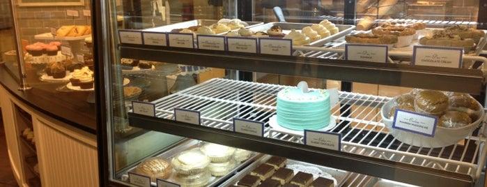 Towne Bakery is one of Sandy Eggo.