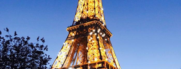 Torre Eiffel is one of Lugares favoritos de Serkan.