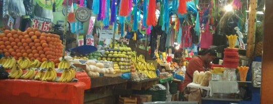 Mercado Portales is one of Lugares frecuentes.