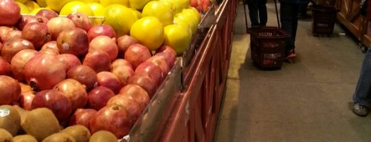 Langley Farm Market is one of Tempat yang Disukai Christina.