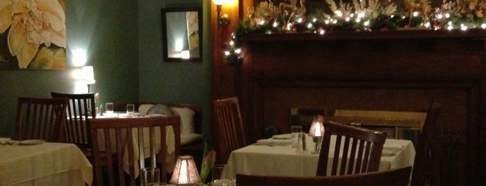 The Oxford House Inn is one of Locais salvos de Dana.