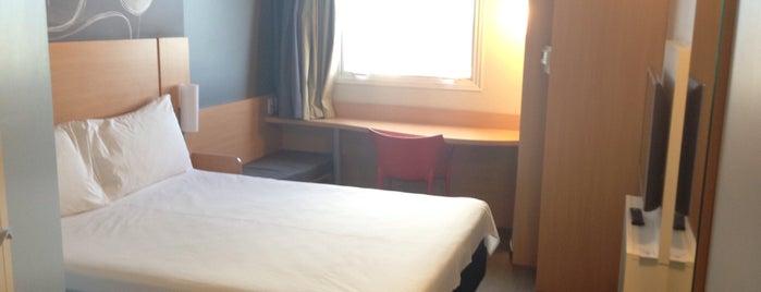 ibis hotels is one of iHARA'nın Beğendiği Mekanlar.