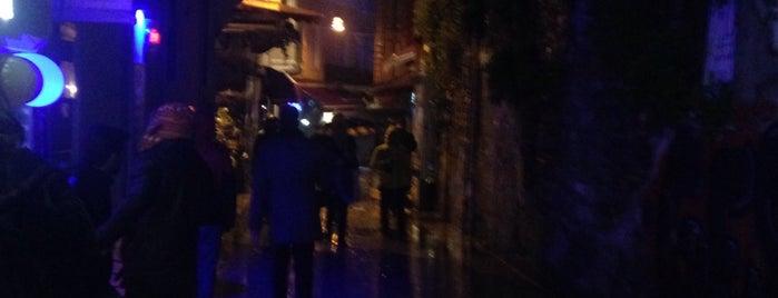 Asmalı Mescit Caddesi is one of Posti che sono piaciuti a ENES.