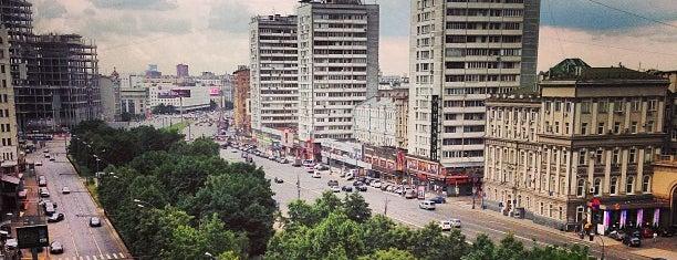 Садово-Триумфальный сквер is one of Rustam Bagadik 님이 좋아한 장소.