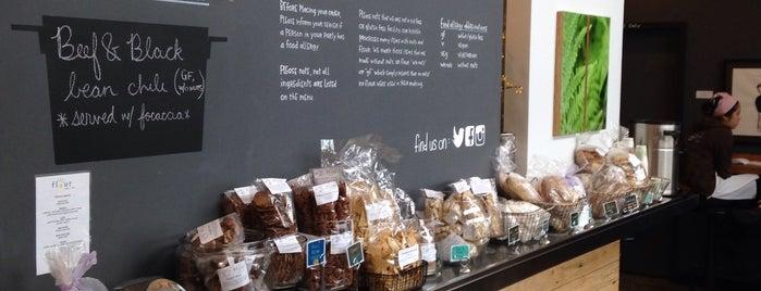 Flour Bakery + Cafe is one of Locais curtidos por Tarzan.