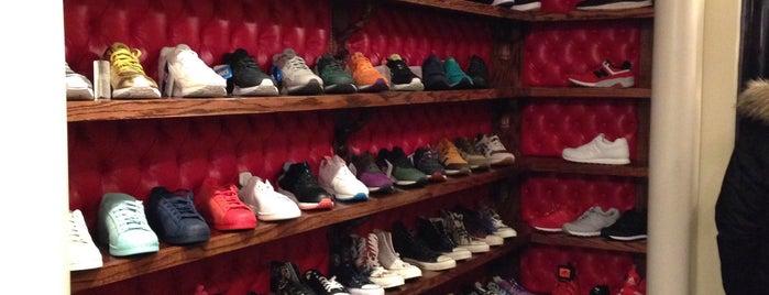 Sneaker Junkies is one of Tempat yang Disukai Tarzan.