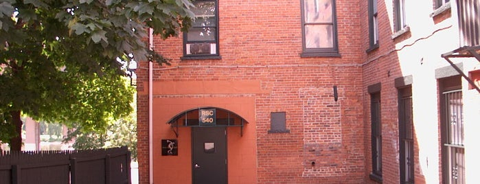 River Street Club is one of John : понравившиеся места.