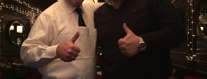 Old Homestead Steakhouse is one of Fuat'ın Beğendiği Mekanlar.