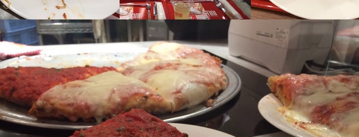 Pizzeria Spontini is one of Annyさんのお気に入りスポット.