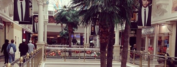 Canal Walk Shopping Centre is one of Cape Town: A week in the Mother City!.