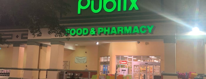 Publix is one of Lugares favoritos de John.